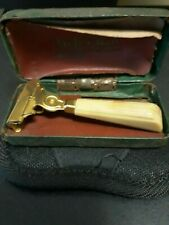 vintage shick injector razor gold tone w/butterscotch handle and case