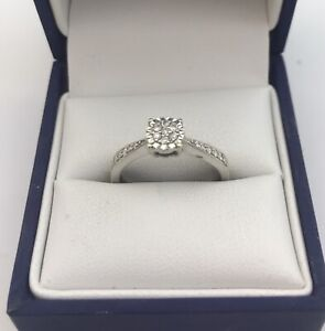 Pretty 9ct White Gold & Diamond Cluster Ring. Size M1/2. 0.15 Carats
