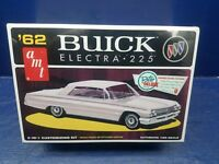 AMT '62 Buick Electra 225 Retro Deluxe 2 in 1 Customizing Model Kit