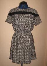 Atmosphere Polyester Geometric Dresses Round Neck