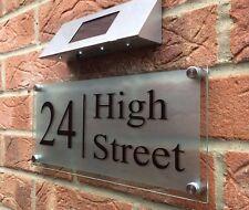 MODERN HOUSE SIGN PLAQUE DOOR NUMBER STREET GLASS LARGE ADRESS SIGN SOLAR LIGHT