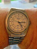 Seiko Quartz DX 5y23  8230 Watch. Excellent Working condition Original Strap.