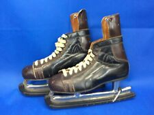 Vintage Bata Sports Nhl Committee Approved Ice Skates Size 8.5 w/Blade Guards