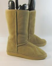 ladies Camel color round toe comfortable warm winter ankle boot  Size 9