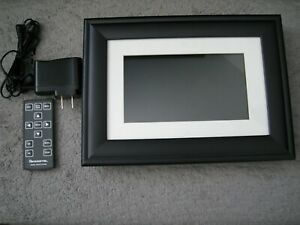 "Pandigital PI7056AWB 7""Digital Photo Frame with Accessories"