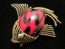 """Cool Rare Vtg 2"""" Signed HAR Gold Tone Red Black Art Glass Fish Brooch Pin A69"""