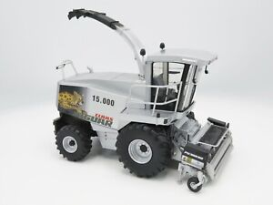 Universal Hobbies Claas Jaguar 15000 and PU 300 Limited Ed. 1:32 Scale 02531180