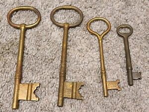 "Antique Lot of 4 Large Early Brass Skeleton Key Keys 3 3/4"" to 6"" Long"