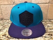 CHARLOTTE HORNETS BUZZ CITY MITCHELL & NESS SNAPBACK HAT CAP SHIPS IN A BOX!