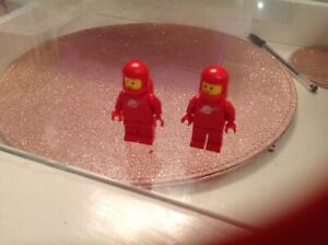 Lego Classic Space Minifigures  2x Red Spacemen