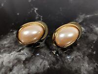Lovely Vintage Jewellery Gold tone Richelieu Faux Pearls Earrings