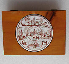 "Vintage American Wood Box Williamsburg Virginia USA céramique dans couvercle 6"" x 4"""