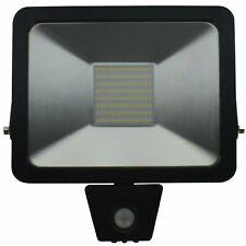 LED Strahler mit Bewegungsmelder 50 W 3800 lm mit 0,3 m Kabel H05RN-F 3G x 1 mm²