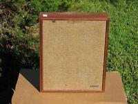 One LAFAYETTE 8 ohm Full  Rang 5 Speaker System In good Shape!