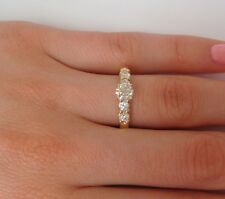 14K YELLOW GOLD 0.90 CARAT T.W. DIAMONDS LADIES CLASSIC ENGAGEMENT RING,SIZE 7