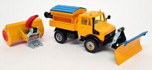 Siku Vintage - 1/55 Scale 2827 Mercedes Unimog Winter Service Diecast Truck Set