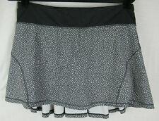 Lululemon Circuit Breaker Skirt Frozen Fizz White Black / Black Size 8 Tall EUC