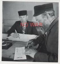 1940 ORIGINAL OLD PHOTO JEW MEN CIVILIANS IN GHETTO POLAND =