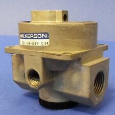 WILKERSON 1/2IN. NPT 1/4IN. NPT DUAL-AIR REGULATOR NO DIAL R21-04-Q49-C04 *NEW*