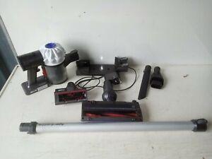 Dyson V6 Cord-free Cordless Handheld Vacuum Cleaner Brand New Battrey