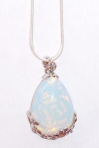 Silberkette mit weißem Opal-Tropfen