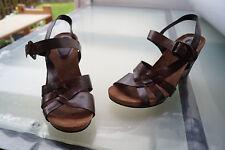 schicke CLARKS Damen Sommer Schuhe Keil Sandalen Gr.8 / 42 Leder braun NEU #70