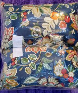 Telfair Peacock Rectangular Throw Pillows (Outdoor) (Set of 2)