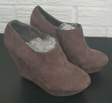 LADIES BOOTS - GREY WEDGED (NEW LOOK) SIZE 7