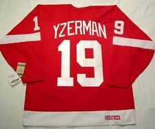 STEVE YZERMAN size XXL - Detroit Red Wings CCM 550 VINTAGE series Hockey Jersey