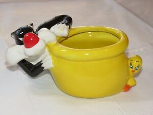 TM & Warner Bros Entertainment Looney Tunes Sylvester & Tweety Flower Pot~