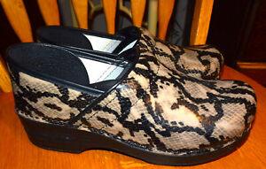 Dansko Womens Size 40 (US 9.5-10) Professional Clog Shoes Python Print fast ship