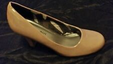 GORGEOUS!!  MADDEN GIRL PATENT LEATHER BEIGE HEELS SHOES SIZE 7