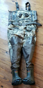 MAGELLAN BREATHABLE INSULATED BOOTFOOT WADERS GARRISON 800 SIZE 9 (BA35)