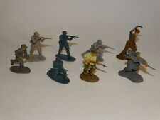 WW 2 toy soldiers 8 54mm plastic figures