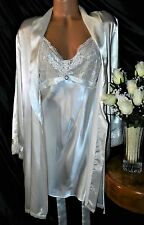 Nightgown, Peignoir Set. LX, NWOT Jones New York. Ivory satiny,  a must have!