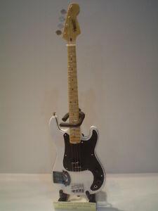 Miniature Guitar (24cm Tall) : IRON MAIDEN STEVE HARRIS WEST HAM LOGO BASS