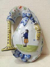 ancienne bouquetiere cornemuse faience de quimper a decor de breton