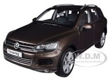 2010 VOLKSWAGEN TOUAREG V6 FSI BROWN 1/18 DIECAST MODEL CAR BY KYOSHO 08821 GBR