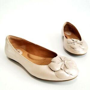 Clarks Aldea Palm Ballet Flats Leather Floral Flower Beige Womens Shoes Size 6.5