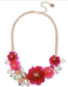 $68 Betsey Johnson gold tone crystal flower statement necklace Z67