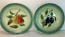 2 Assiettes anciennes décoratives, barbotine, décors poires, quetsche…