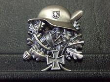 Pin Stahlhelm Eisernes Kreuz EK Eichenlaub - 3 x 3,5 cm