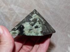 Esmeralda en Matrix-Emerald-pirámide - 131 G - 5,5 cm