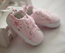 Newborn Flower Embroidery Pink low tops Baby Girls Shoes Size 6-9mos Size 3 or 4
