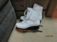 New listing Ccm Pirouette Women's Ice figure Skates Size 8 White sd gs