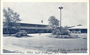 Fitzsimons Motor Courts, 49' dodge in front, Rockies Denver Vintage Postcard MM