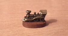 1/12 Maison de poupées miniature train locomotive Ornement Nursery Table Cheminée LGW