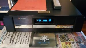 E.SOUND  CD-E5 SIGNATURE SERIES HI END CD PLAYER TESTED  GOOD WORKING CONDITION
