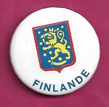 RARE VINTAGE 1981 CANADA CUP  HOCKEY TEAM FINLAND PINBACK  (INV# A9351)