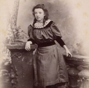 A Sager Keighley young girl portrait CDV Cabinet photograph card antique #7